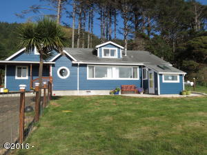95469 Highway 101 S, Yachats, OR 97498 - Front Exterior