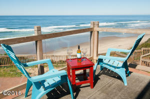 2223 SW Coast Ave, Lincoln City, OR 97367 - Deck