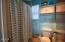 1055 SW Mark St, Newport, OR 97365 - Upstairs bath