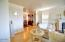 1055 SW Mark St, Newport, OR 97365 - Living room