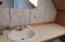 272 Combs Circle, Yachats, OR 97498 - Upstairs bath B