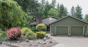 1175 NW Sunset Dr, Toledo, OR 97391 - Front view