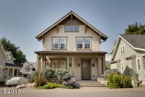 2011 NE 56th Dr, Lincoln City, OR 97367 - Belhaven Craftsman Home