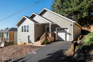 3535 NE Reef Ct, Lincoln City, OR 97367