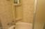 915 Driftwood Ln, Yachats, OR 97498 - Bath b shower tub