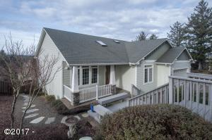 1899 SE Oar Dr, Lincoln City, OR 97367 - Front of house