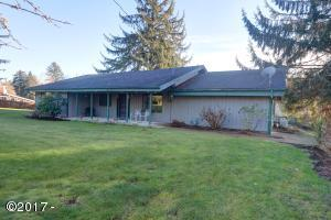 305 SW Swan Ave, Siletz, OR 97380 - Front of House