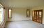 831 NE Lakewood Dr, Newport, OR 97365 - Living room