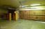831 NE Lakewood Dr, Newport, OR 97365 - Garage