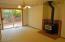 831 NE Lakewood Dr, Newport, OR 97365 - Family room