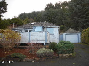 1720 Hwy 101 N, Yachats, OR 97498 - Front of Home