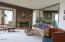 3641 NW Oceanview, 121, Newport, OR 97365 - Living Room