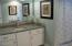 507 Alpine St, 303, Newport, OR 97365 - Master Bath