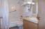 171 SW US-101, 118, Lincoln City, OR 97367 - Bathroom