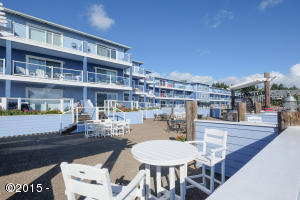 890 SE Bay Blvd, 113, Newport, OR 97365 - Bayfront Courtyard