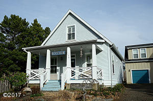 5120 Cavalier Av, Depoe Bay, OR 97341 - Bella Beach Cottage
