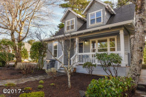 5090 Twinberry Ln, Depoe Bay, OR 97341