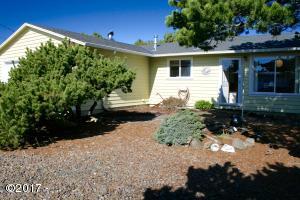 325 Coronado Dr, Gleneden Beach, OR 97388 - Front View