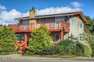 5760 NE Logan Rd, Lincoln City, OR 97367 - Wonderful Entry and LOTS of Decks