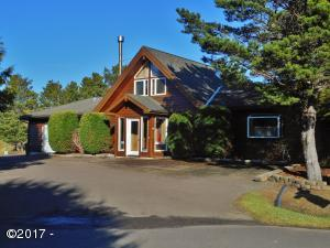 2485 SW Fairway Cir, Waldport, OR 97394 - Front of home pave parking
