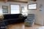 1606 NW 21st St, Lincoln City, OR 97367 - Living room w/ laminate flooring