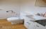 1606 NW 21st St, Lincoln City, OR 97367 - Guest area
