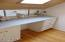 1606 NW 21st St, Lincoln City, OR 97367 - Upper bath