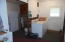 28190 Briggs Hill Rd, Eugene, OR 97405 - Utility Room