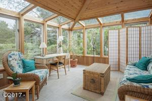 7240 Steep Ave., Gleneden Beach, OR 97388 - Florida sunroom