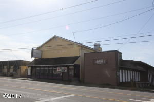 317 SW Hwy 101, Lincoln City, OR 97367 - Front of Restaurant