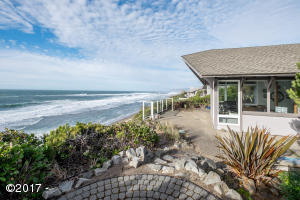 143 Salishan Dr, Gleneden Beach, OR 97388