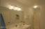 335 Kinnikinnick Way, Depoe Bay, OR 97341 - Bathroom 3