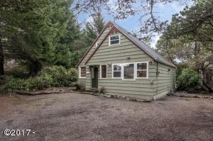 170 Laurel St, Gleneden Beach, OR 97388 - Exterior - View 2