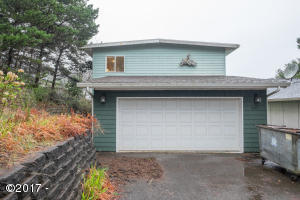 2645 NW Mast Ave, Lincoln City, OR 97367