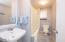 4660 NE H Ave, Neotsu, OR 97364 - Main Bath