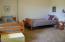 816 NE Alder St, Toledo, OR 97391 - Bedroom suite