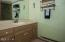 5801 NE Voyage Ave, #24, Lincoln City, OR 97367 - Bathroom
