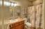 350 NE Harbor View Pl, Depoe Bay, OR 97341 - Lower full bathroom