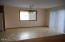 615 SE Inlet Ave, Lincoln City, OR 97367 - Dining Room