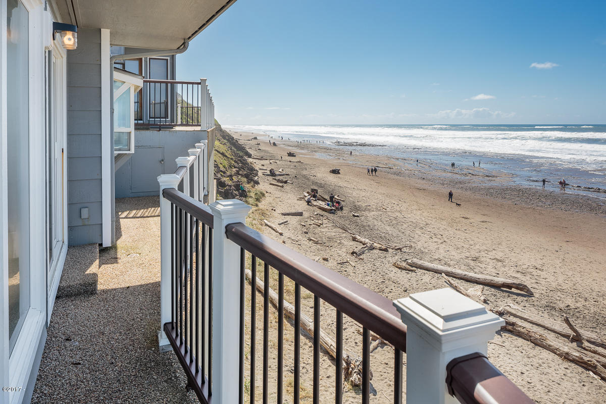241 SW Ebb Ave., Lincoln City, Oregon