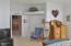 1250 SW Sailfish Loop, Waldport, OR 97394 - Master Entry & Closet!