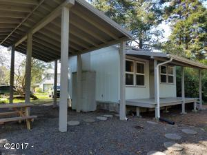 6250 SW Jetty Ave, Lincoln City, OR 97367 - Back of home