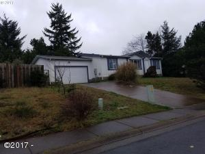 485 SW Double Eagle Dr, Waldport, OR 97394 - Exterior