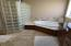 445 SE Bay Blvd, Newport, OR 97365 - Master bath
