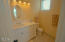 371 Kinnikinnick (share A) Wy, Depoe Bay, OR 97341 - Master Bedroom Bathroom