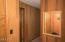 5745 Hacienda Ave, Lincoln City, OR 97367 - Entryway