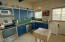 809 SW 10th St, Lincoln City, OR 97367 - Kitchen