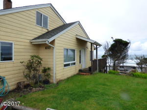 1033 NW Inlet Ave, Lincoln City, OR 97367 - From Driveway