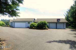 261 SE View Dr, Newport, OR 97365 - Exterior 1