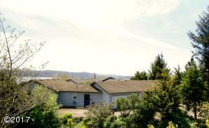 261 SE View Dr, Newport, OR 97365